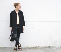 What to Wear With Birkenstocks Birkenstock Fashion, Birkenstock Style, Birkenstock Arizona, Spring Summer Fashion, Autumn Winter Fashion, Spring Outfits, Spring Clothes, Stylish Girl, Editorial Fashion