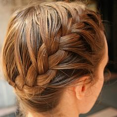 5 Easy Steps to a Side French Braid - Hunger Games hair