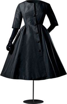 Olivia Pope.White House Outfit.Cristobal Balenciaga   Black Cocktail Coat. 1956.  Gorgeous!!!!