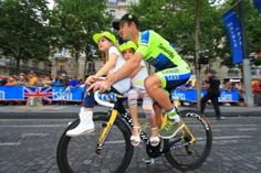 Mick Rogers taking care of the kids. Le Tour de France 2014 Parade #cycling #bike #ride