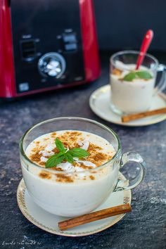 Good Food, Yummy Food, Dessert Recipes, Desserts, Sangria, Healthy Smoothies, Coco, Panna Cotta, Food Photography