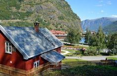 Baklava cafe, flam, norway. Closes at 6. Lunch here Saturday.