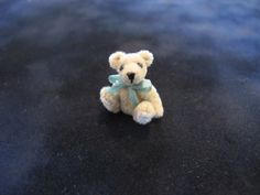 """Gina Zimmerman, Zimm' s Minis - 1"""" teddy bear, fully jointed"""