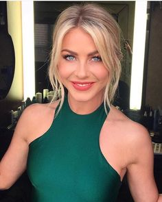 Julianne Hough ♥by Alwaraky♥ Julienne Hough, Blonde Beauty, Hair Beauty, Julianne Hough Hot, Blonde Updo, Best Wedding Hairstyles, Flawless Beauty, Blonde Women, Hot Blondes