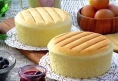 Josephine's Recipes: Step-By-Step: Super Moist & Fluffy Japanese Cotton Cheesecake Food Cakes, Cupcake Cakes, Japanese Cotton Cheesecake, German Cheesecake, Fluffy Cheesecake, Japanese Cake, Pastry Cake, Dessert Recipes, Japanese Recipes