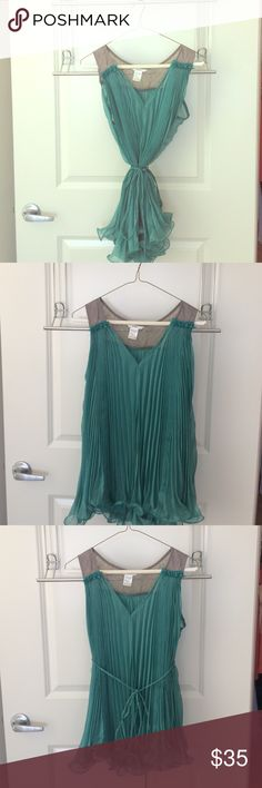 Beautiful blue top! Lovely and flowy sheet blue top. Gray lace detail on the back. Esley Tops Blouses