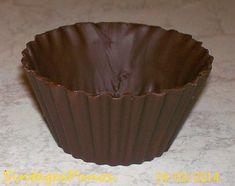 Σοκολατένιες κούπες έκπληξη!! Decorative Bowls, Muffin, Breakfast, Blog, Recipes, Morning Coffee, Muffins, Blogging, Cupcakes