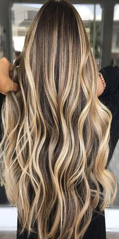 See here the best ideas of balayage and ombre hair colors and hairstyles for . - See the best ideas of balayage and ombre hair colors and hairstyles for women here … – Make up - Hair Color Highlights, Ombre Hair Color, Hair Color Balayage, Golden Highlights, Balayage Highlights, Blonde Highlights On Dark Hair Brunettes, Hair Color Ideas For Brunettes Balayage, Balayage Ombre, Short Balayage