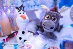 Decoração de Festa de Aniversário de tema da animação Frozen por Patricia Junqueira www.patriciajunqueira.com.br