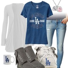 Los Angeles Dodgers Casual Tshirt Outfit -minus the uggs, cute outfit! Dodgers Outfit, Dodgers Gear, Dodgers Nation, Dodgers Baseball, Sport Outfits, Cute Outfits, Dodger Game, Badass Outfit, Los Angeles Dodgers