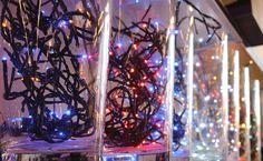 Tantissimi modelli di luci per il natale, a led, bianche, colorate, per esterno e per interno. http://www.alberti-import-export.com/indice-decnata.asp