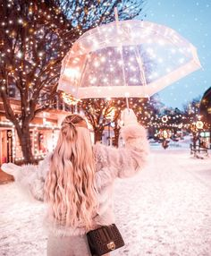 Sparkle with all your heart! : - Sparkle with all your heart! Paris Pictures, Girly Pictures, Beautiful Pictures, Girl Photography Poses, Winter Photography, Creative Photography, Beautiful Girl Drawing, Cute Girl Drawing, Tumbrl Girls