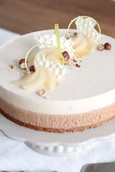 Päärynä-nougatkakku Baking Recipes, Cake Recipes, Dessert Recipes, Desserts, Baking Ideas, Piece Of Cakes, Cheesecakes, No Bake Cake, Cake Decorating