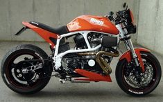 great to have this style & type of motor among sporting street bikes Buell Motorcycles, Cool Motorcycles, Vintage Motorcycles, Moto Bike, Motorcycle Bike, Motorcycle Design, Bike Design, Ducati, Bike Garage