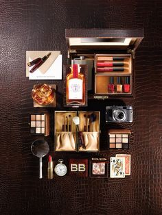 Shop makeup and skincare products on Bobbi Brown Cosmetics online. Learn Bobbi's latest looks, makeup tips and techniques. Bobbi Brown, Coupons Australia, Makeup Collection Storage, Very Good Girls, Rock Collection, Pretty Packaging, Makeup Kit, Lancome, The Rock