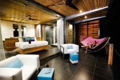 Private posh villa- cool bed