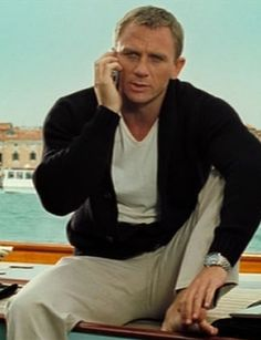 Daniel Craig looks good and fashionable in every movie.
