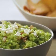 This guacamole recipe tastes even better than  Guacamole Recipe, Mexican Style, Chipotle Guac, Salads, Appetizers, Recipe Mix, Snacks, Burgers, Ethnic Recipes