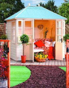 Chatsworth Summer House < I'd love something like this for the garden. The kids can play on the trampoline and I can sit in my summer house with a book. Garden Buildings, Garden Structures, Dream Garden, Home And Garden, Garden Living, Garden Bed, Casas Club, Outdoor Spaces, Outdoor Living