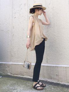 FRAMeWORKのシャツ・ブラウス「セイヒンゾメ タックギャザーノースリーブ◆」を使ったari☆のコーディネートです。WEARはモデル・俳優・ショップスタッフなどの着こなしをチェックできるファッションコーディネートサイトです。