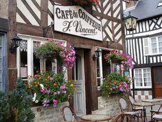 Le café du coiffeur en Beuvron-en-Auge, Normandy, France (by Michele*mp).
