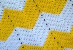 Crochet Blankets Ideas Easy chevron crochet blanket - Chevron is fun and simple! Whether you prefer wide stripes or narrow, even spacing or mismatched sizes, chevron is a perfect pattern for afghans, baby blankets, and throws. Chevron Crochet Patterns, Afghan Patterns, Crochet Blanket Patterns, Baby Blanket Crochet, Crochet Stitches, Crochet Baby, Knitting Patterns, Double Crochet, Simple Crochet