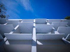 white marble facade (886×667)