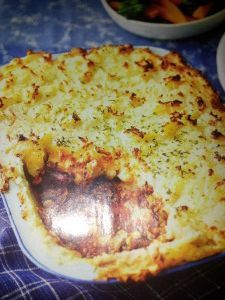 This is one of my favorite slimming world dishes and is called Cowboy Pie, not quite sure why :-) and to me it is a cottage pie with a bit of a kick :-) but ok Cowboy Pie it is