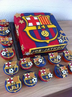 FC Barcelona cake Más Soccer Birthday Cakes, Soccer Cake, Birthday Themes For Boys, Football Birthday, Soccer Party, Bolo Do Barcelona, Barcelona Party, Bolo Fake Eva, Sport Cakes