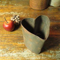 Wonderful Early Old Deep Tin Heart Mold I Love Heart, Key To My Heart, Heart Art, Valentine Day Love, Valentine Hearts, Heart Crafts, Vintage Tins, Felt Hearts, Love Symbols