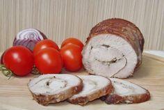 Retete Culinare - Cotlet de porc facut rulada, fiert in vin cu mirodenii