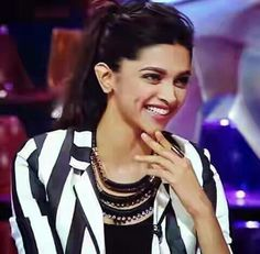 Dimple Girl... Deepika Padukone <3   For More Details Click Here : www.entertainmentbuzz.in