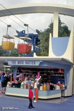 """Vintage Disneyland - """"The Mod Hatter"""" Souvenir Shop. Hats of every Disney character and more. Disneyland Tomorrowland, Disneyland World, Disneyland California, Vintage Disneyland, Disneyland Resort, Walt Disney World, Disneyland History, Disneyland Rides, Anaheim California"""