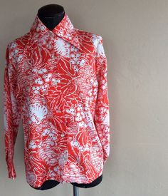 Check out this item in my Etsy shop https://www.etsy.com/listing/227578490/1970s-lee-mar-blouse