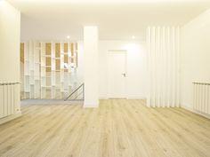 Sótão da Família Maia #loftrenovation #loft #architecture #livingroom #stairs #upcycled #storage #homedecor #furniture #interiors #interiordesign #homeinspiration #details #homesweethome #homestoriespt #umaobraumahistória