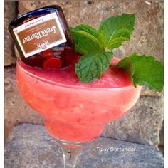 Lynyrd Skynyrd Cocktail - For more delicious recipes and drinks, visit us here: www.tipsybartender.com