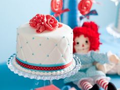 Raggedy Ann Birthday Party - Kara's Party Ideas - The Place for All Things Party 50th Party, 1st Birthday Parties, Birthday Ideas, Themed Parties, Pretty Cakes, Cute Cakes, Mini Cakes, Cupcake Cakes, Fondant Cakes