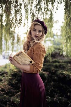 Moda vintage outfits color combos ideas for 2019 Moda Rockabilly, Rockabilly Fashion, Rockabilly Outfits, Mode Outfits, Fashion Outfits, Womens Fashion, Fashion Tips, Fashion Trends, 1940s Fashion Women