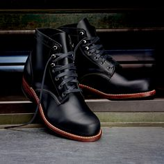 I always loved the loud simplicity of men shoes, so I need these in my closet.   Men's 1000 Mile Boot - W05301 - Vintage Boots | Wolverine