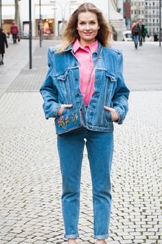 THROWBACK TO THE 80´s   #balenciaga #outift #blouse #jeansjacket #denim #trousers #womenswear #stellamccartney #bag #bungalowgallery