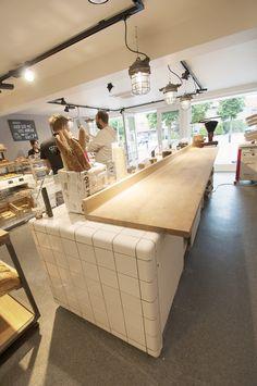 Coffee Bar Design, Coffee Shop Interior Design, Italian Interior Design, Restaurant Interior Design, Kitchen Interior, Kitchen Design, Somerville House, Bakery Shop Design, Pos Design