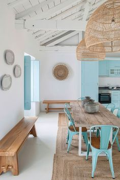 Country blue, A holiday home in Portugal by interior designer Ligia Casanova Mediterranean Decor, Mediterranean Architecture, Beach House Decor, Home Decor, Beach Cottage Style, Summer House Decor, Design Case, Living Room Decor, Dining Room