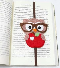 Owl Crafts are a Hoot! Kids Crafts, Owl Crafts, Diy And Crafts, Paper Crafts, Sewing Projects, Craft Projects, Felt Bookmark, Diy Bookmarks, Felt Owls