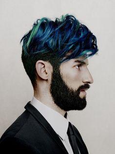 Mit bunten Haaren kann Männermode auch verfeinert werden. #BeardHype