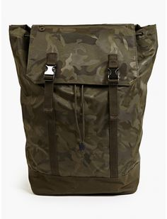 Men's Khaki Camouflage Backpack Camouflage Backpack, Great Mens Fashion, Camo Shirts, Briefcase For Men, Black Zip Ups, Camping And Hiking, Fashion Bags, Men's Fashion, My Bags