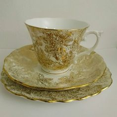 😍😍😍😍😍 This #gold coloured #gilt flower #chintz pattern #vintage china #teacup #saucer and #sideplate are just #luxurious 💓 it was made by Coleclough in the period 1939-1945, I'd guess that it's at the earlier end of that era.   Available now at https://www.etsy.com/uk/listing/498824722/rare-vintage-40s-coleclough-china-trio or click the link in my bio to see more beautiful vintage china  #40s #1940s #forties #retro #vintagechina #bonechina #china #teacup #saucer #trio #cupandsaucer
