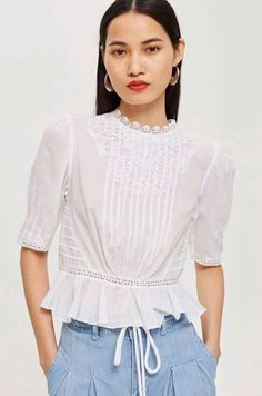 Lace Puff Sleeve Top in 2020 Dress Neck Designs, Blouse Designs, Simple Dresses, Casual Dresses, Top Chic, Womens Trendy Tops, Gamine Style, Fancy Tops, Style Casual
