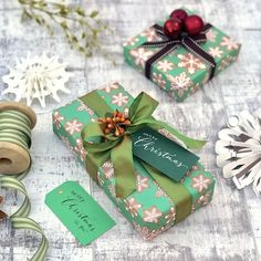 New Autumn workshop announced.Festive Gift Wrapping and Calligraphy with Jane Means and Judy Broad in Maida Vale, London Learn Calligraphy, Modern Calligraphy, Christmas Wrapping, Christmas Diy, Christmas Tree Accessories, Wonderful Time, Gift Wrapping, Wrapping Ideas, Workshop