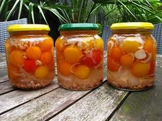 Zoetzuur van tomaten Chutney, Pickled Tomatoes, Sea Bass, Fermented Foods, Canning Recipes, High Tea, Diy Food, Food Inspiration, Pickles