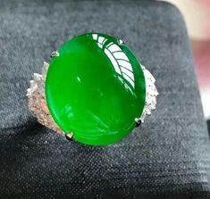 Jade / jadeite ring Jade Necklace, Jade Jewelry, Imperial Jade, Amazing Greens, Beautiful Fish, Jade Stone, Vintage Jewelry, Gemstone Rings, Fashion Jewelry